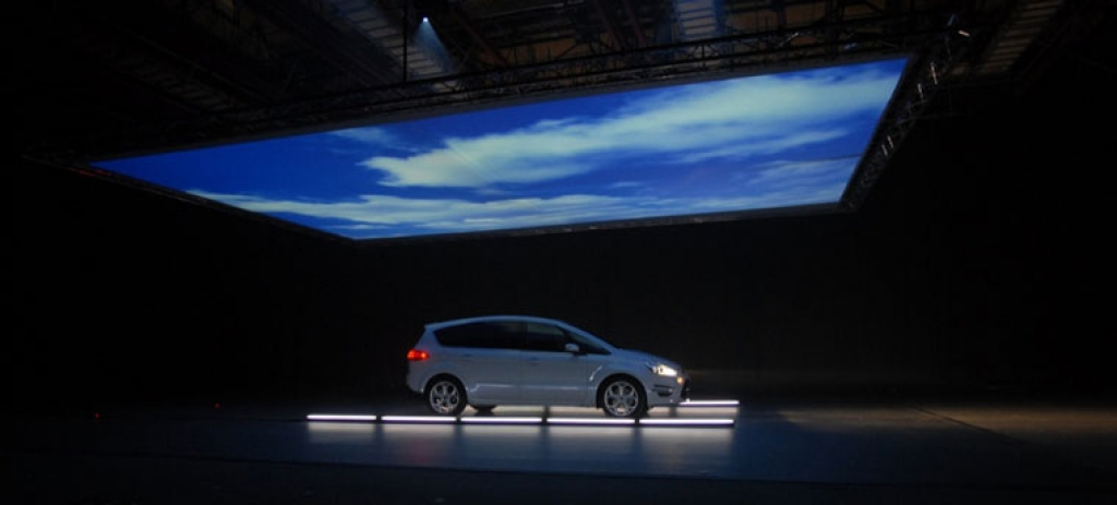 Projection mapping on car: Ford S-Max TV Advert