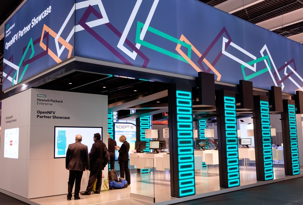 Exhibition Stand Interactive : Event projection interactive video technology for